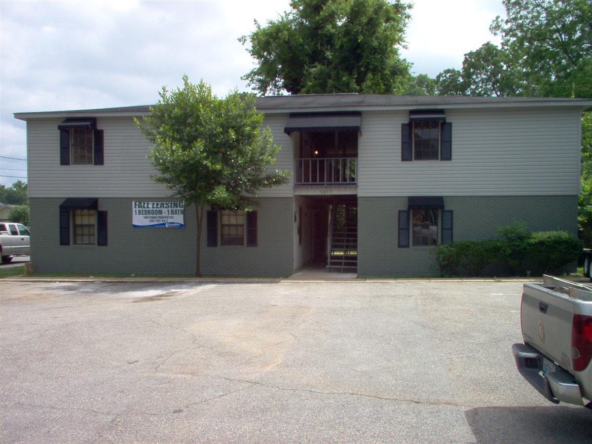 . Bama Quarters   Apartment in Tuscaloosa  AL