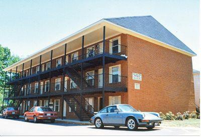 Campus Square - Apartment in TUSCALOOSA, AL