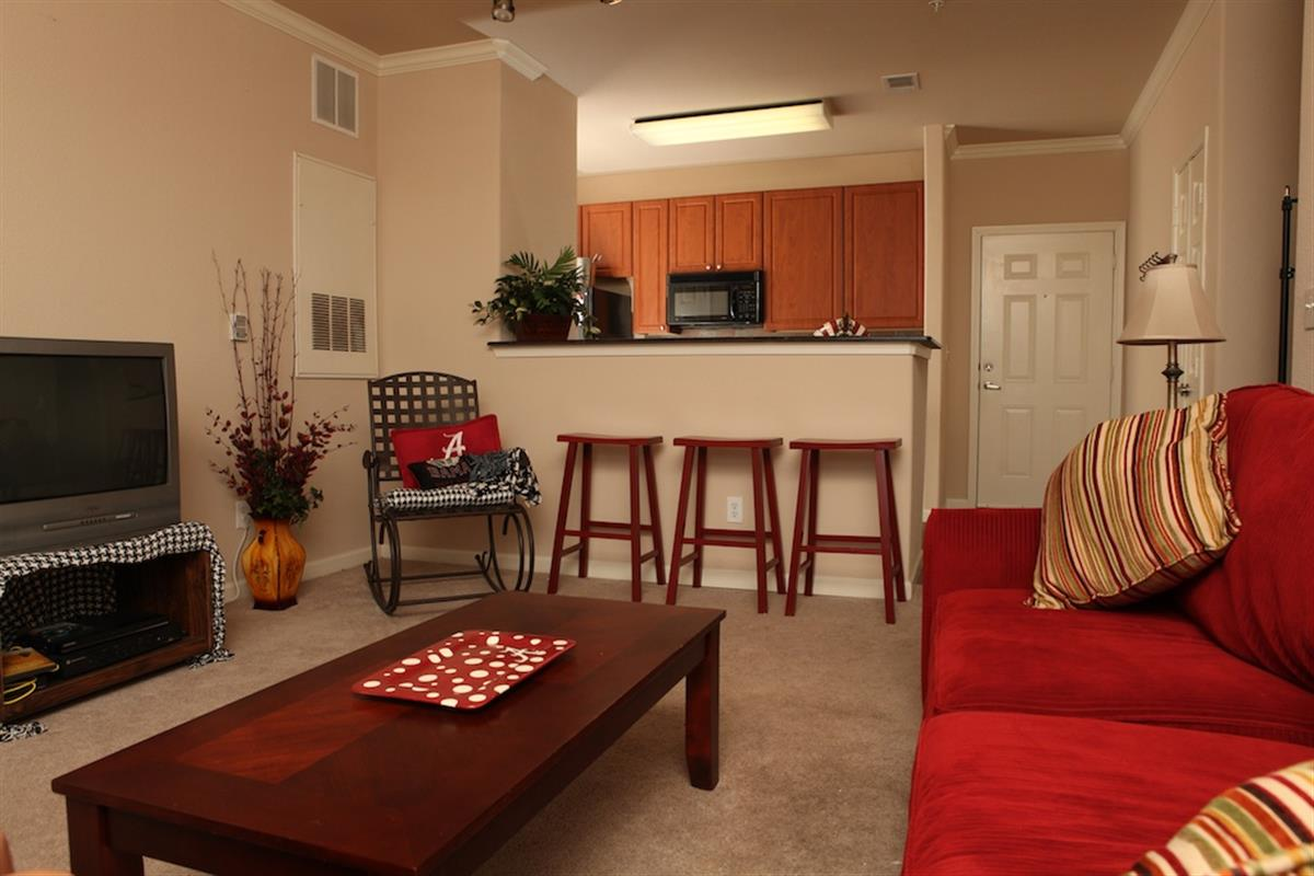 Crimson Place Condominiums - Apartment in Tuscaloosa, AL