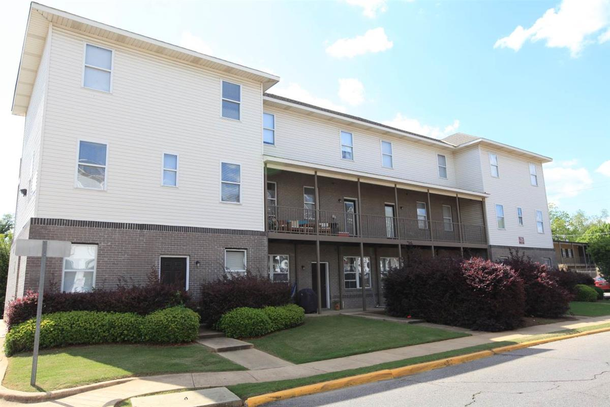 Emerson court apartment in tuscaloosa al for 1 bedroom apartments tuscaloosa al
