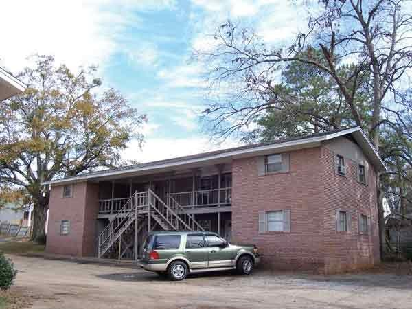 . Tavern House   Apartment in Tuscaloosa  AL