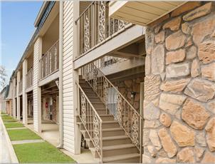 Brookstone - Apartment in Tuscaloosa, AL
