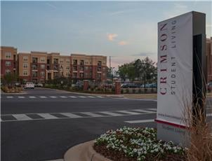 Crimson student living apartment in Tuscaloosa, AL