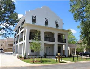 Mission House apartment in Tuscaloosa, AL
